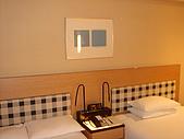 京都皇家飯店:雙人分開床.JPG