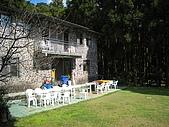 坪林翡翠山林民宿:杉木林旁的獨棟石砌小屋頗有特色