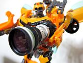 我家的變形金剛,拿的是Canon的大砲哦 >_:IMG_0408.JPG