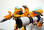 我家的變形金剛,拿的是Canon的大砲哦 >_:IMG_0400.JPG