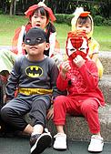 2009 萬聖節搞怪秀:這是蝙蝠俠跟蜘蛛人的組合