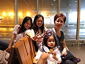 2010 日本北海道富良野~TOMAMU 渡假村:家人合影