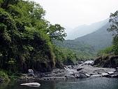 屏東大峽谷油桐花:寧靜大峽谷