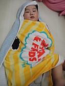 岍岍一歲八個月(1Y8M):沙烏地阿拉伯人。哈.JPG