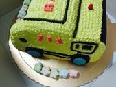 20150930我們滿2歲了!:09.29雙寶~安妮乾媽送的專屬生日蛋糕-JIA(垃圾車)~台北阿公阿嬤家.JPG