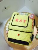 20150930我們滿2歲了!:09.29雙寶~安妮乾媽送的專屬生日蛋糕-RAY(垃圾車)~台北阿公阿嬤家.JPG