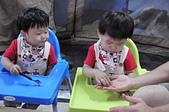 20150501-0502桃源仙谷賞螢+露營趣:05.01雙寶~吃點心3~桃源仙谷.JPG