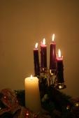 2009聖誕:象徵等待的將臨期花環全點燃了