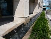 淡水 福容愛之船飯店-360度旋轉景觀塔(情人塔)-古蹟園區:商場旁跳躍的噴泉