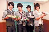 2008.02.17 宣傳「HITO流行音樂獎」學習海鮮料理:080218 中國時報02.jpg