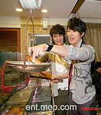 2008.02.17 宣傳「HITO流行音樂獎」學習海鮮料理:080218 貓撲06.jpg