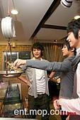 2008.02.17 宣傳「HITO流行音樂獎」學習海鮮料理:080218 貓撲08.jpg