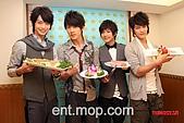 2008.02.17 宣傳「HITO流行音樂獎」學習海鮮料理:080218 貓撲01.jpg