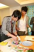 2008.02.17 宣傳「HITO流行音樂獎」學習海鮮料理:080218 貓撲02.jpg