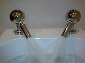 多功能溫泉SPA牛奶按摩浴缸:影像565.jpg