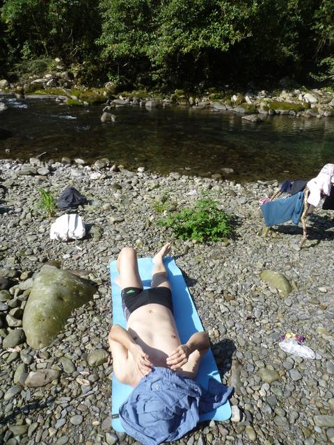 日光浴 - 真正的露營