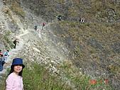 八通關古道,雲龍瀑布,烏松崙賞梅:慢慢的走在山壁邊