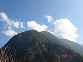 八通關古道,雲龍瀑布,烏松崙賞梅:樂樂山(2747m)最高的那座