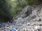 4-5  台灣櫻花鉤吻鮭  族群數量調查:DSCN9481  桃山西溪--颱風沖刷後的土石遺跡