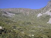 4-6  雪山--五月賞杜鵑:DSCN7734  開滿雪山冰斗的玉山杜鵑