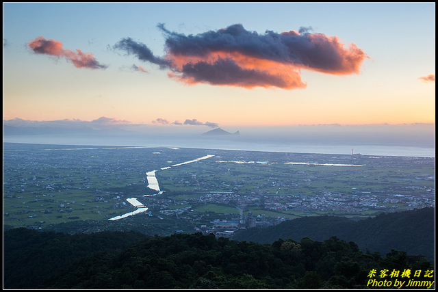IMG_09.jpg - 冬山河與龜山島的相遇