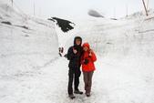 2014.Jun-[日本富山、長野] 立山黑部:15_跟小雪壁合照.JPG