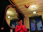 2010.Apr-[台中新社、台中西區] 菇神、震川農場&伊斯坦堡:16_老婆...這裡不是印度餐廳.JPG