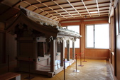 2014.Jun-[日本富山、長野] 立山黑部:17_車站內某神社模型.JPG