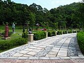 2009.Jul-[桃園大溪] 兩蔣文化園區、後慈湖&石門水庫:02_好多蔣公啊~~~.JPG