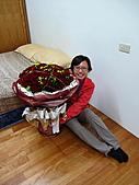 2010.Nov-[南投信義] 麟趾山:43_老婆對這盆花愛不釋手.JPG