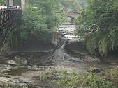 2009.05.May-[台北縣] 平溪、東北角:20_眼鏡洞瀑布.JPG