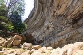 2021.Apr-[台南南化] 南化水庫、刣牛湖山:20_岩壁的紋理很美,但也很危險.jpg