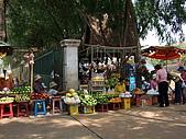 2008.Mar-[柬埔寨] 金邊、吳哥窟:014_第一休息站的攤販_resize.jpg