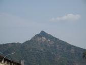 2009.Feb-[南投國姓] 岩山:01_遠眺岩山〈不愧是尖山〉.JPG