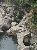 2009.Apr-[南投竹山] 杉林溪:11_河流沖刷出來的石井.JPG