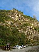 2010.Nov-[南投信義] 麟趾山:40_夫妻樹旁壯闊的峭壁.JPG