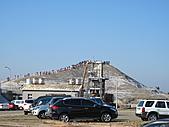 2011.Feb-[台南] 台江國家公園:14_不知為什麼熱門的七股鹽山〈是因為台南沒有山嗎?〉.JPG