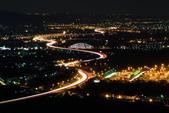 2016.Apr-[南投市] 國道3號南投段4S彎:04_等到7點,綠美橋終於點燈了....JPG