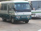 2008.Mar-[柬埔寨] 金邊、吳哥窟:055_我們的遊覽車(撞牛後的模樣)_resize.JPG