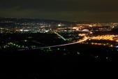 2016.Apr-[南投市] 國道3號南投段4S彎:05_雖然有些遮蔽又偏僻,但這裡的確是看南投市夜景的好地方.JPG