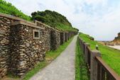 2020.May-[基隆中正] 和平島公園:44_環島步道這一段很像一整排機槍堡.JPG