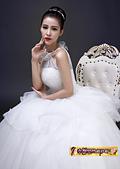 10月(1):43292809267時尚韓版簡約修身掛脖新娘結婚齊地顯瘦.jpg