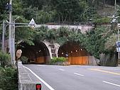 2008 11 23 大溪橋+峨嵋大彿+長壽村糯米橋:糯米橋旁的隧道.JPG