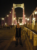 2008 11 23 大溪橋+峨嵋大彿+長壽村糯米橋:大溪橋夜景+同學.JPG