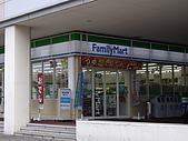 2008-10-11-01 福岡~:09 福岡-這地方好像FM比7-11還多.JPG