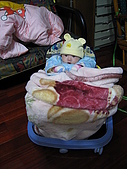 又有新玩具..螃蟹椅 :89716201_l.jpg