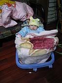 又有新玩具..螃蟹椅 :89716865_l.jpg