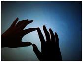 ♡生活:應該沒啥人知道我是個超級戀手癖..雖然自己的手很肥短