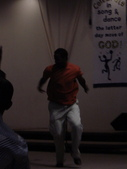 Oakland黑人教會:唱到最後還有人跳上台去跳舞勒