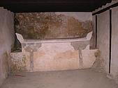 060408哈瑪星之旅:東方人真愛拜拜   這是以前的祭壇